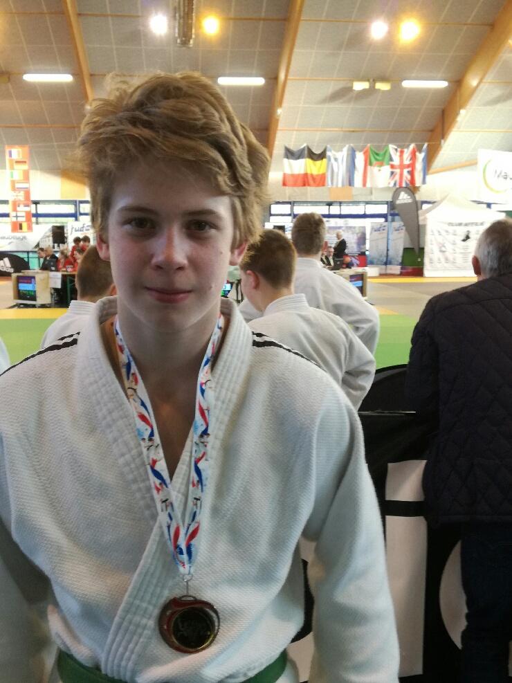 Tournoi international de Maubeuge: Mathis en bronze